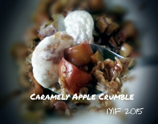 carmely apple crumble close up