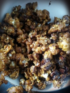 turtle caramel corn closer