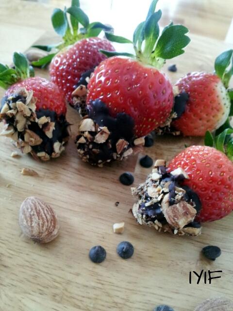 Almond studded dark chocolate dipped strawberries3