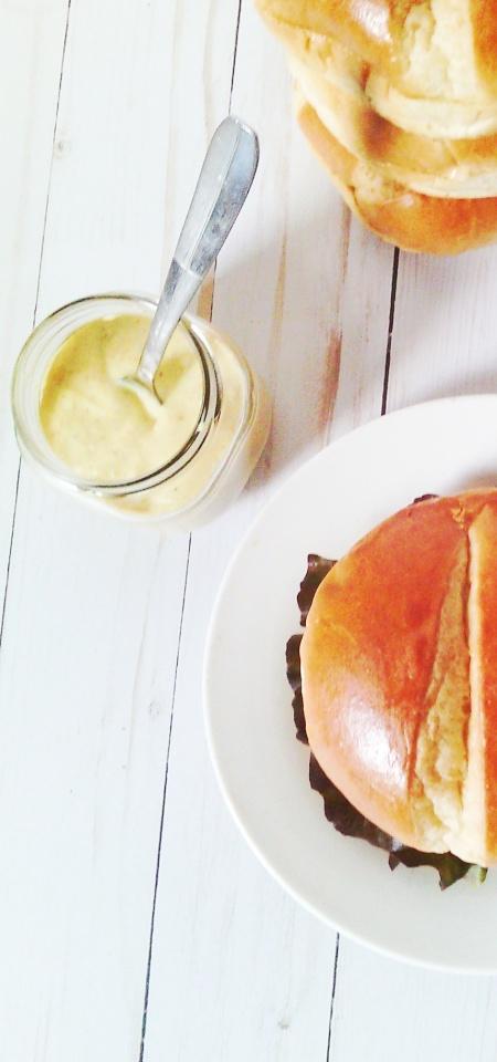 kb burger and sauce10