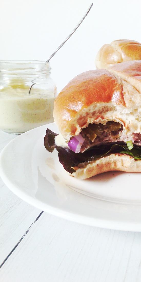 kb burger and sauce11