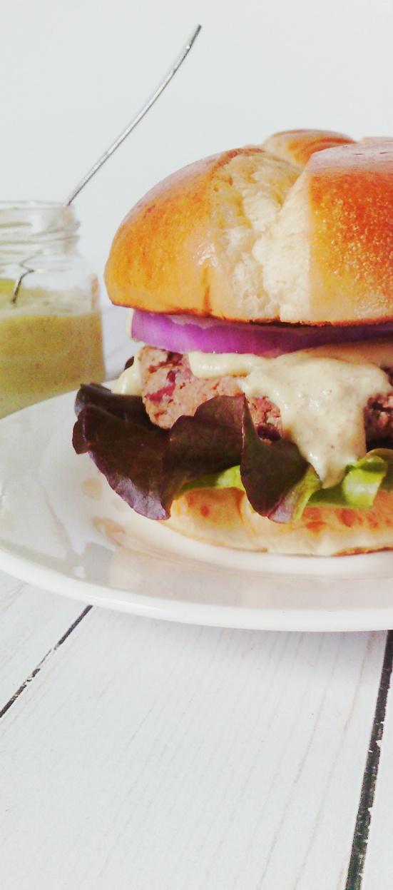 kb burger and sauce2