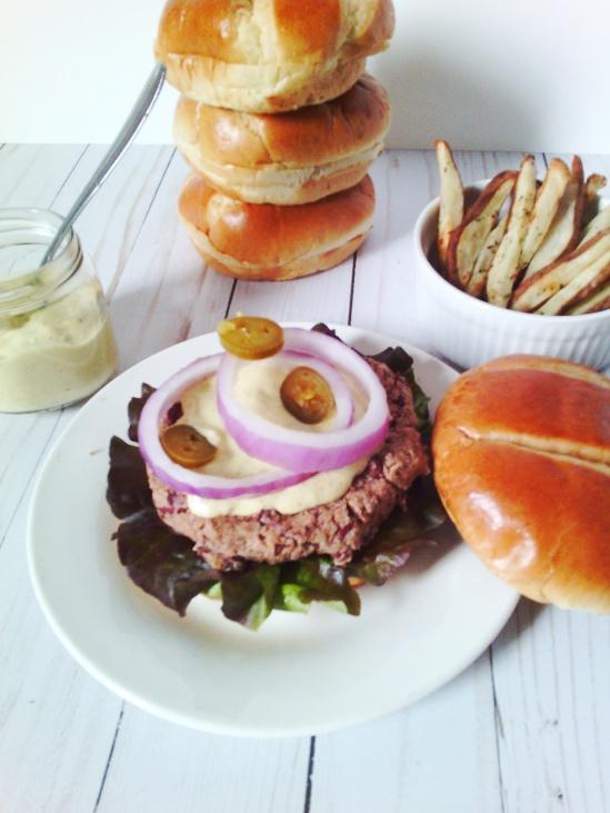 kb burger and sauce4