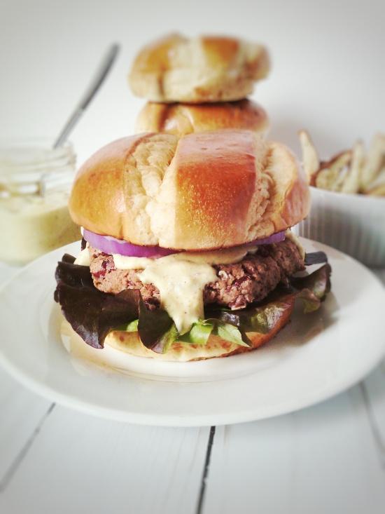 kb burger and sauce5