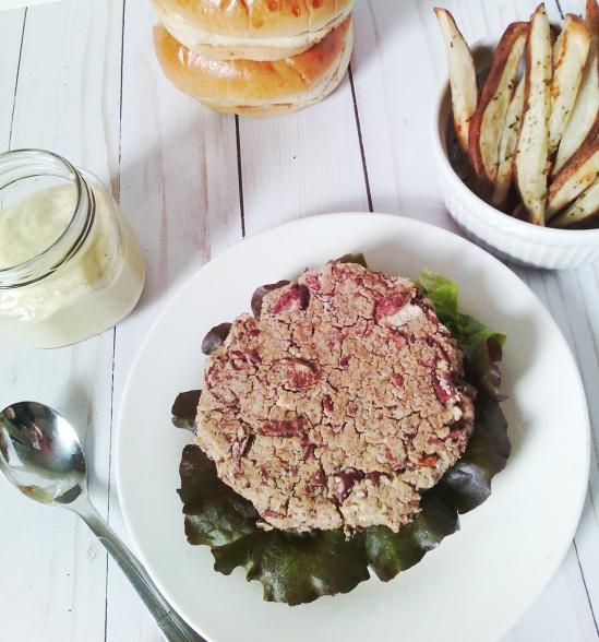 kb burger and sauce8