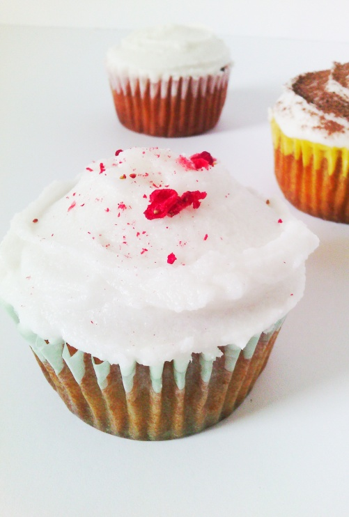 White dairy free nut free whipped cupcake or cookie frosting