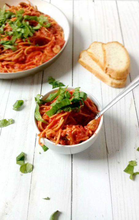 One pot spinach and mushroom spaghetti using Sugar 2.0 and Kite Hill Cream Cheese